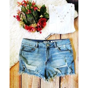 Pants - High waisted distressed denim shorts 🍃